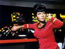 Quel personnage de Star Trek êtes vous ? - Page 3 Uhura
